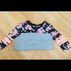 Women's medium Rue 21 3/4 sleeve length shirt